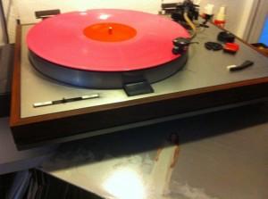 Tori Amos 'Under the Pink' drejer stille rundt med på grammofonen