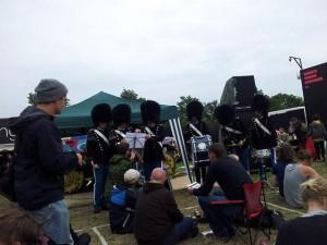 Livgardens tambourkorps spiller Black Sabbath til musikquizzen.