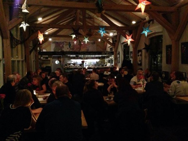 Der quizzes i Cafe mandela på Vesterbro i København.
